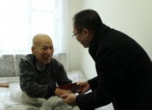 县委常委、纪委书记、监委主任胡景春慰问离退休老干部
